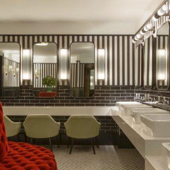 The Green Hotel Dublin Suite Bathroom Lady